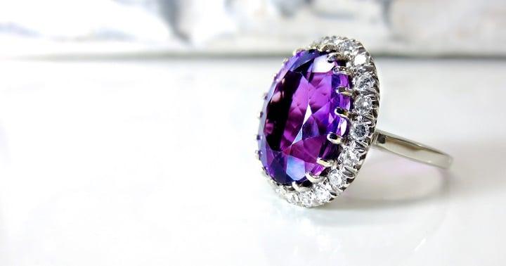 nettoyer un bijou en diamant
