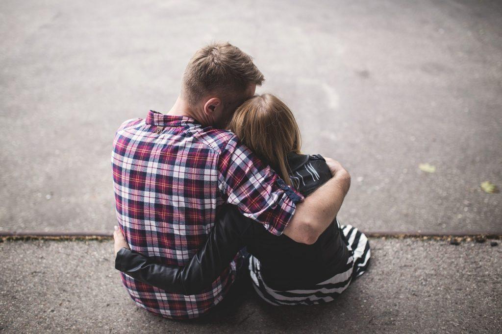 couple-1853996_1280