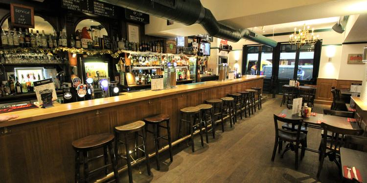 privateaser reserver un bar à paris