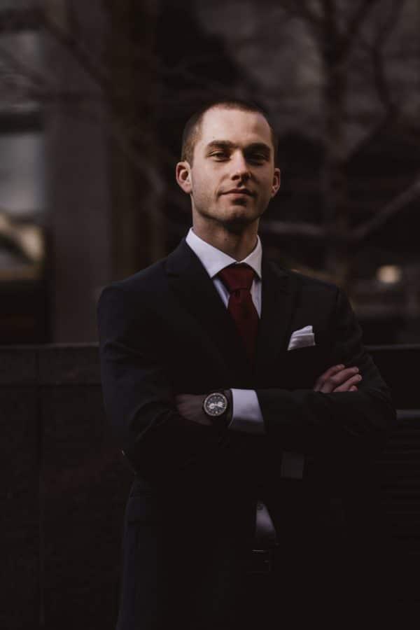 cravate oblogatoire pour entretien embauche ou non