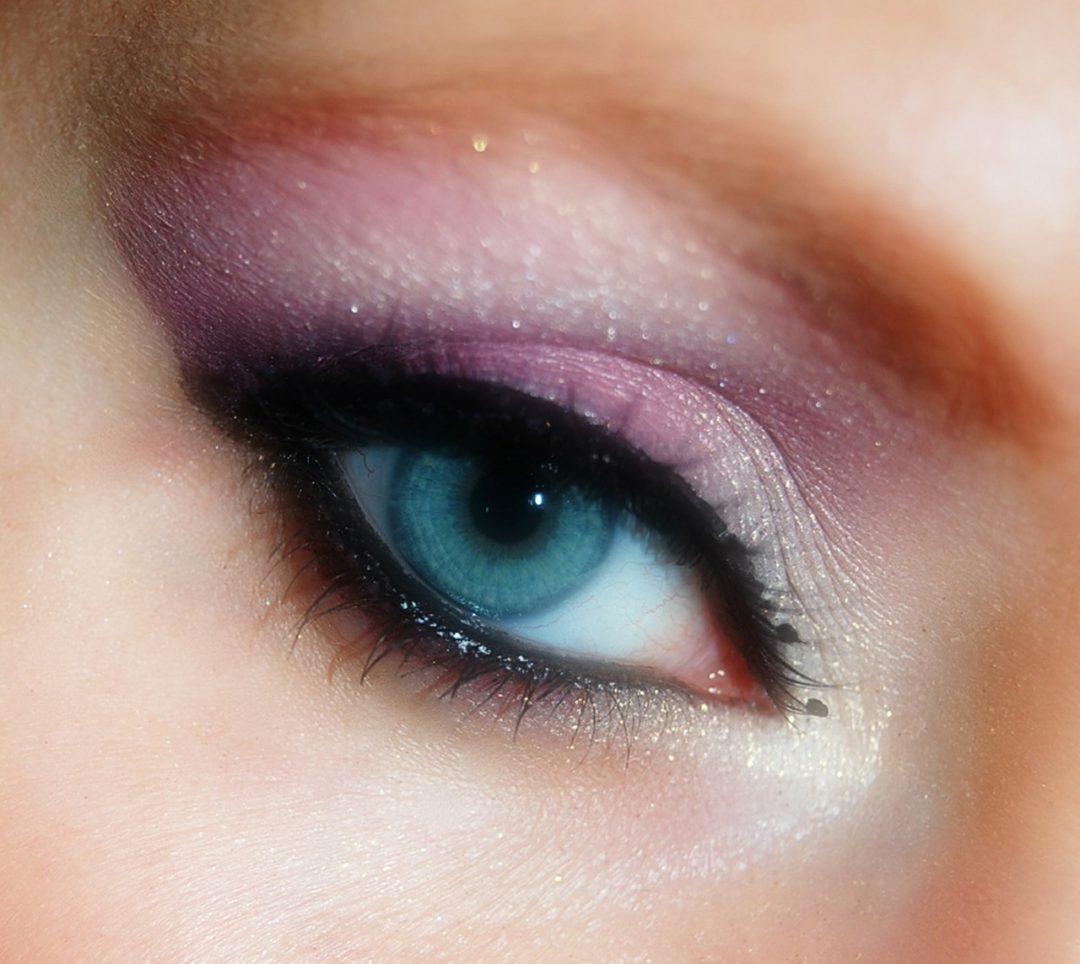 comment bien maquiller ses yeux bleu fonce