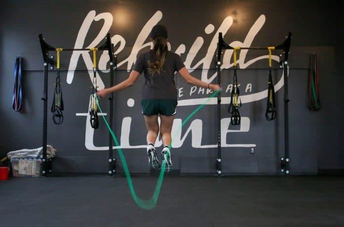 corde a sauter pour perdre du poids et fitness