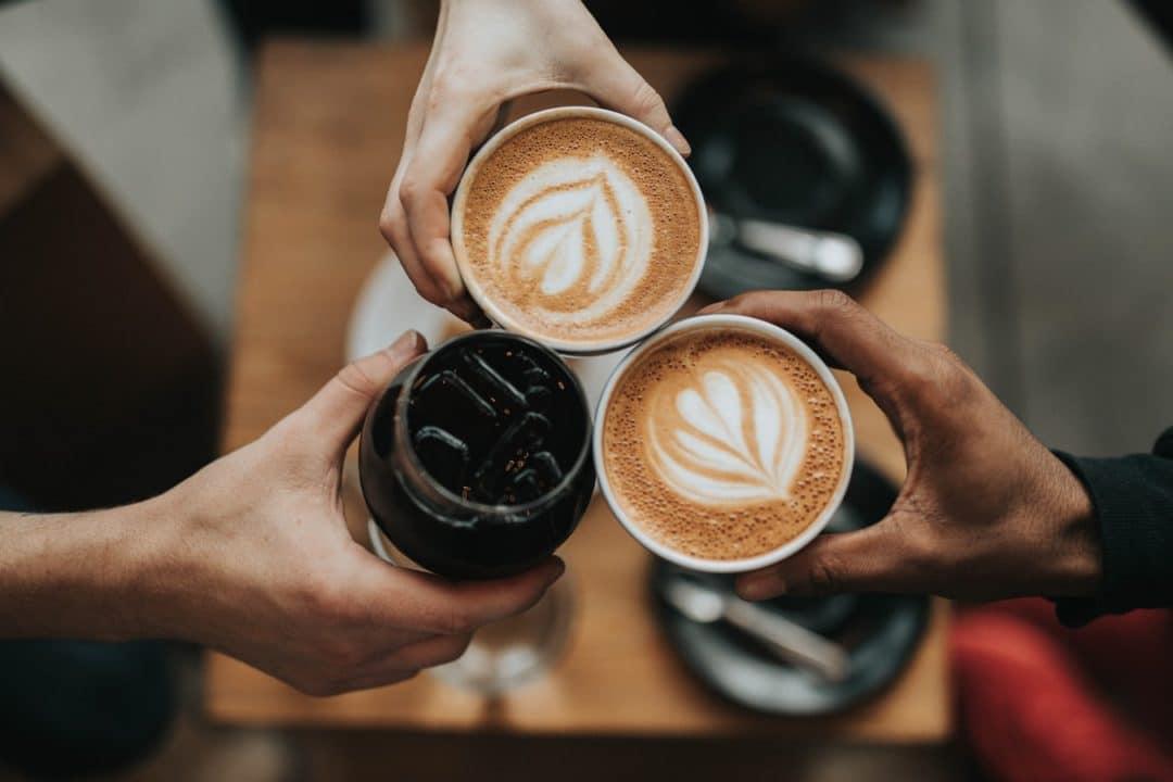 cafe fait jaunir les dents