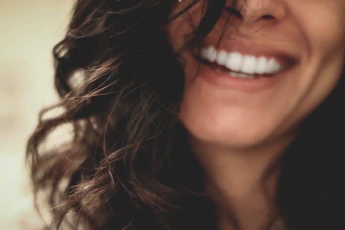 comment blanchir des dents astuces naturels et conseils 5