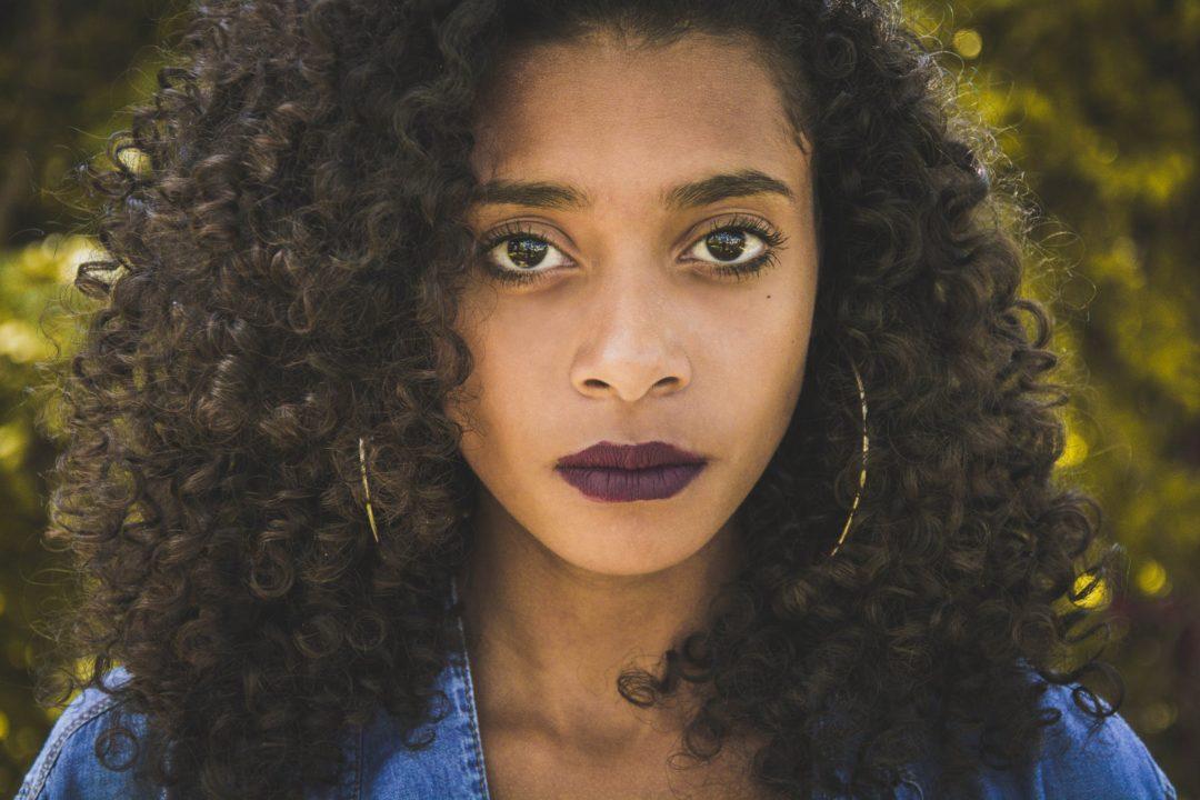 coupe afro longue tendance