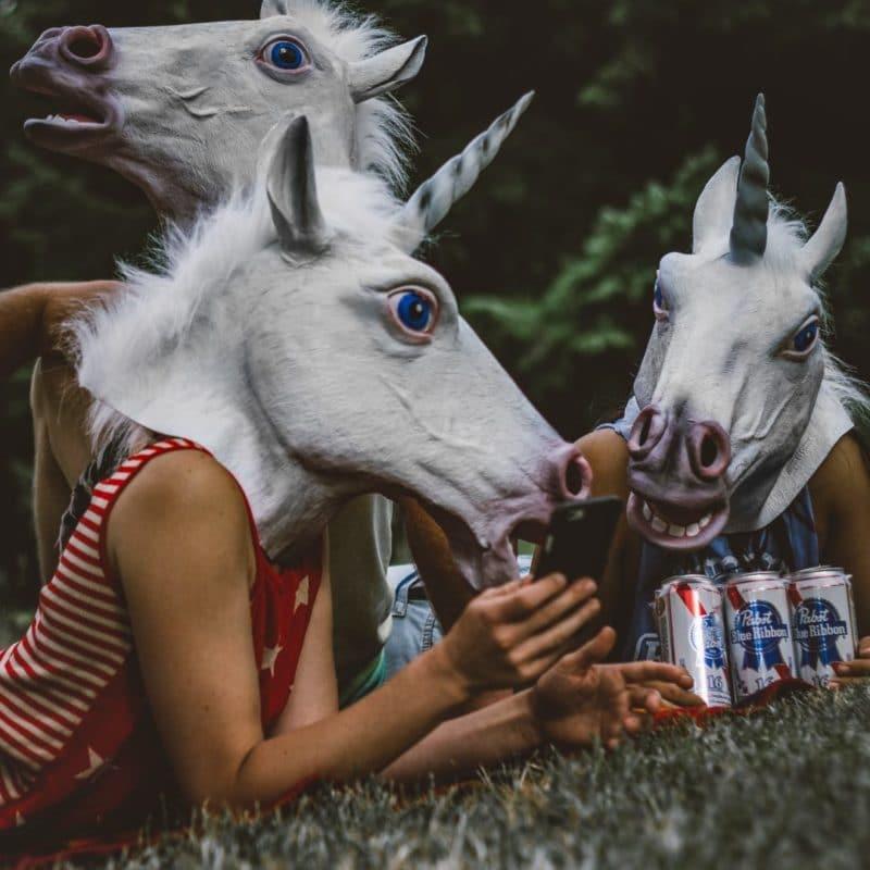 la tendance du masque de licorne