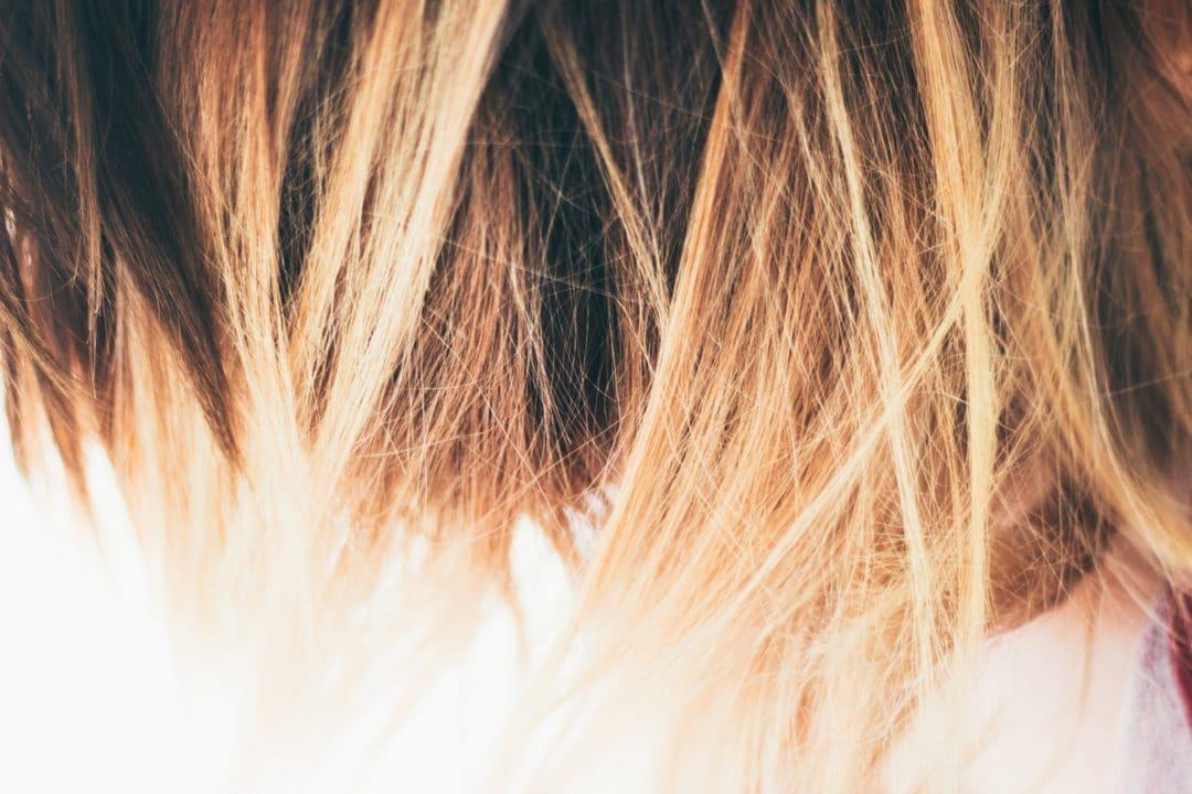 Pour les cheveux blonds, on conseille l'ombré hair blond platine pour les cheveux blonds clair comme le blond sable et l'ombré hair blond suédois pour les cheveux blonds foncé.