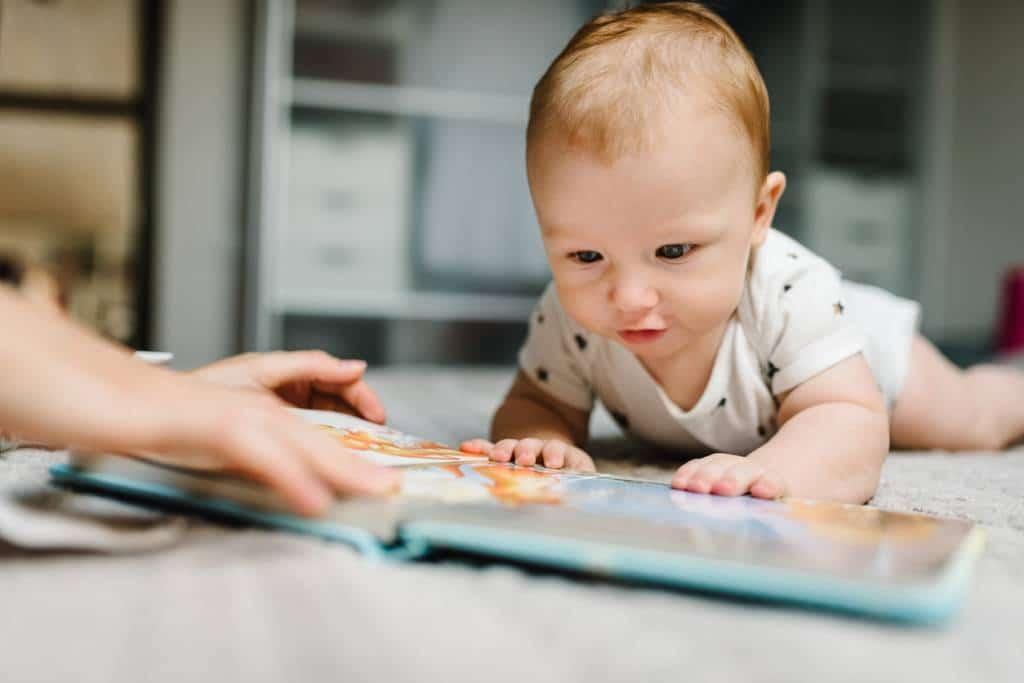Premier anniversaire de bébé : pensez au livre photo !