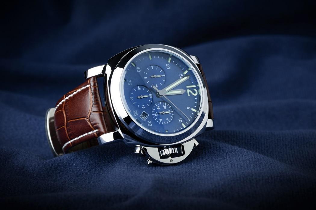 Comment reconnaître une vraie montre de luxe en 6 signes?