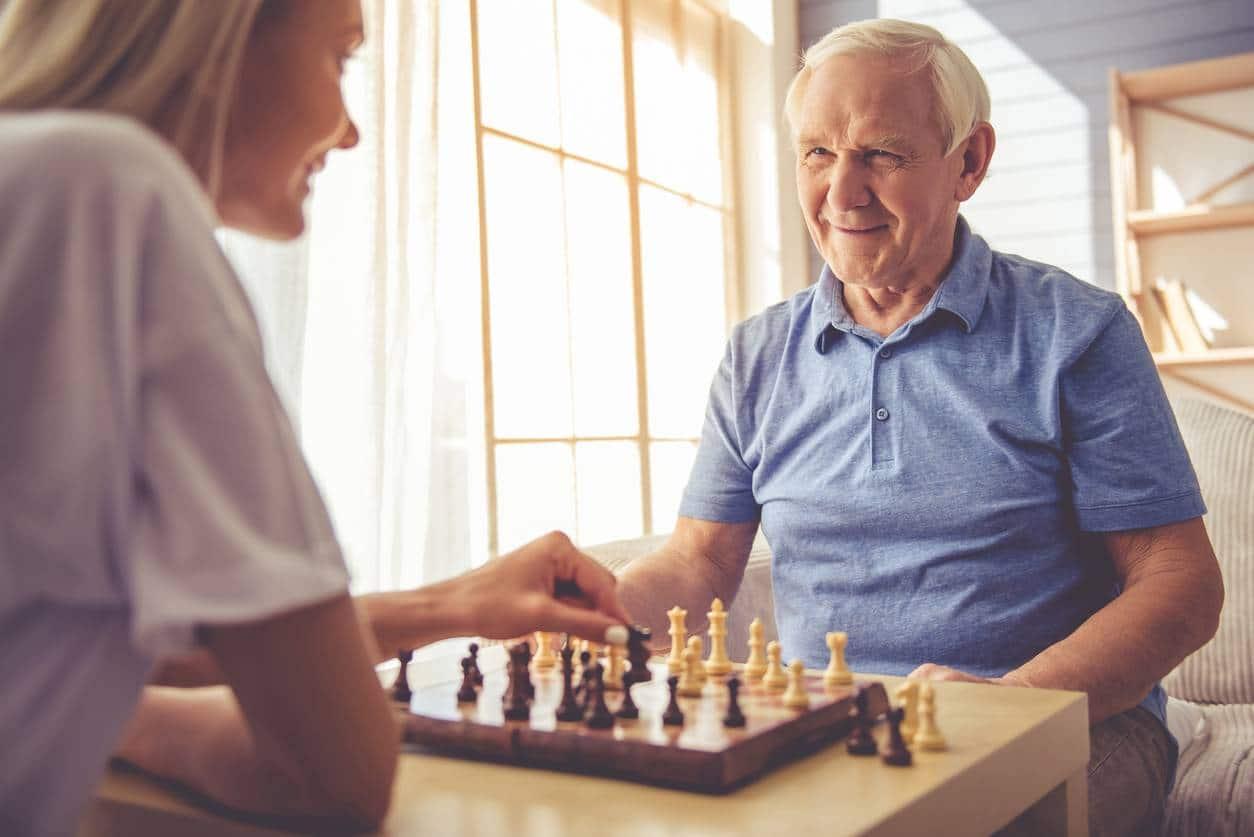 auxiliaire de vie comment choisir auxiliaire a domicile