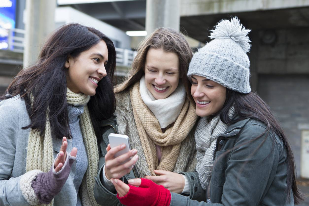 retrouver des camarades d'école avec les réseaux sociaux